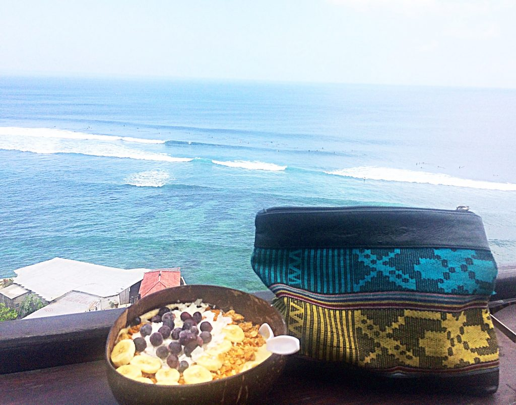 Delicious Nalu bowl in Bali and Cinta Manis Clutch